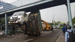 Funny Truck Accident In India